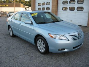 Used 2008 Toyota Camry XLE in navy blue for sale