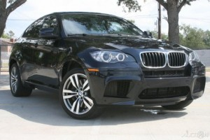 black 2010 BMW X6  on auction
