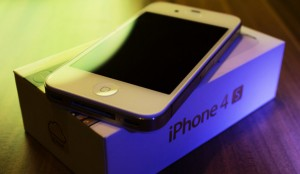 10 Apple iPhone 4S 64GB at 4000USD