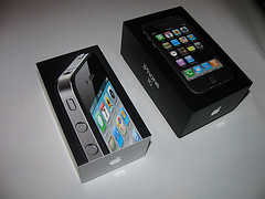 Apple iPhone 4 32GB..$400